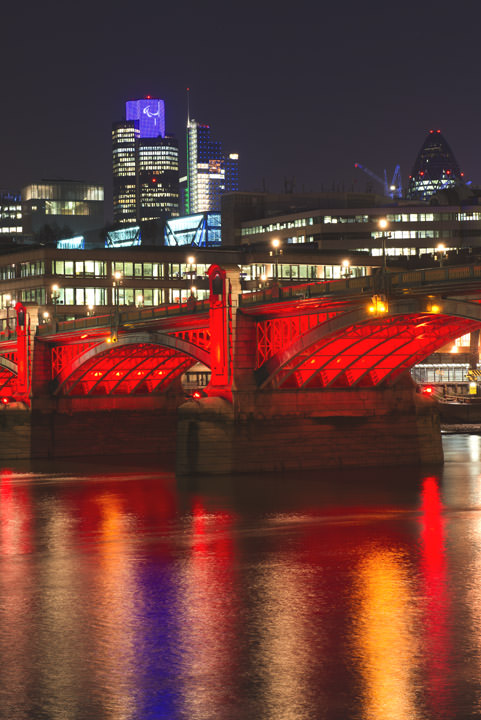 Photograph of Southwark Bridge 19