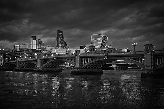 Photograph of Southwark Bridge 28