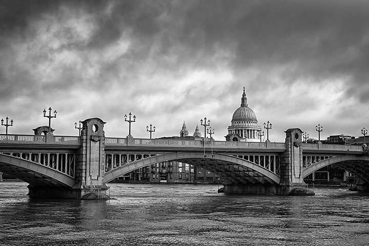 Photograph of Southwark Bridge Dawn 2