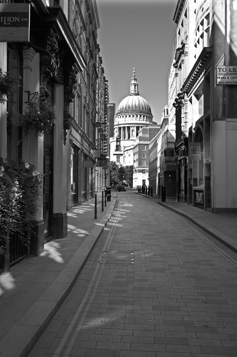 Photograph of St Pauls Cathedral 1