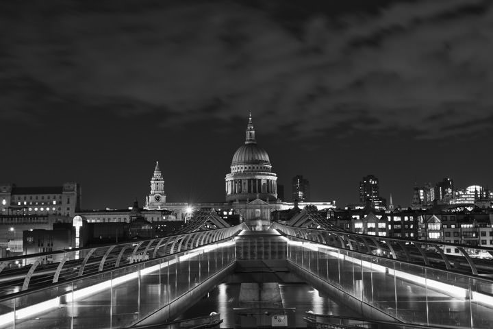 Photograph of St Pauls Cathedral 24