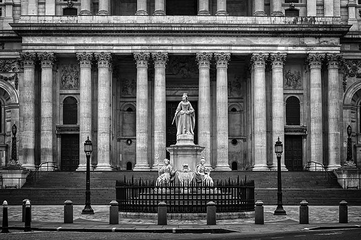 St Pauls Cathedral Facade