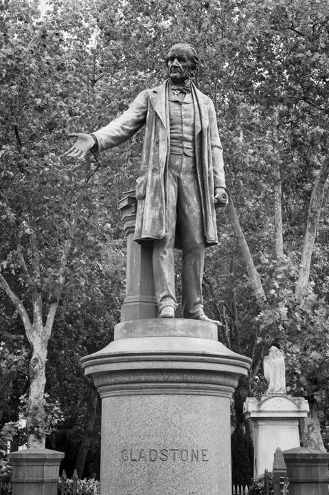 Photograph of Statue of Gladstone