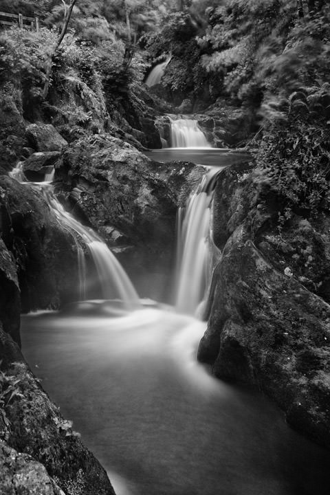 Photograph of Triple Spout Falls - Ingelton 2