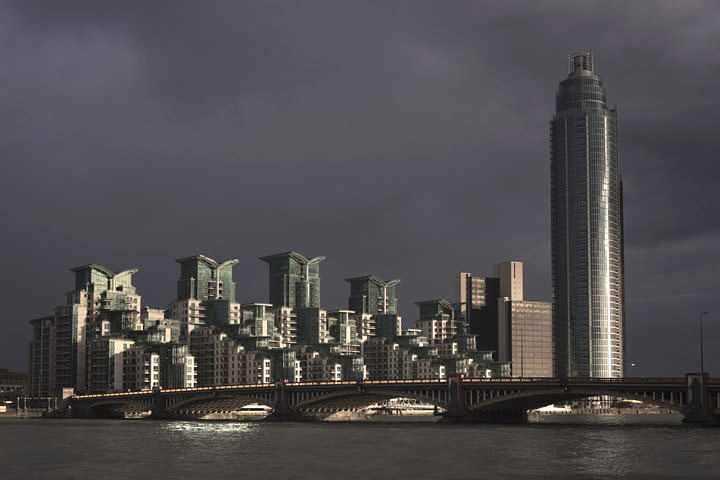 Photograph of Vauxhall Bridge 11