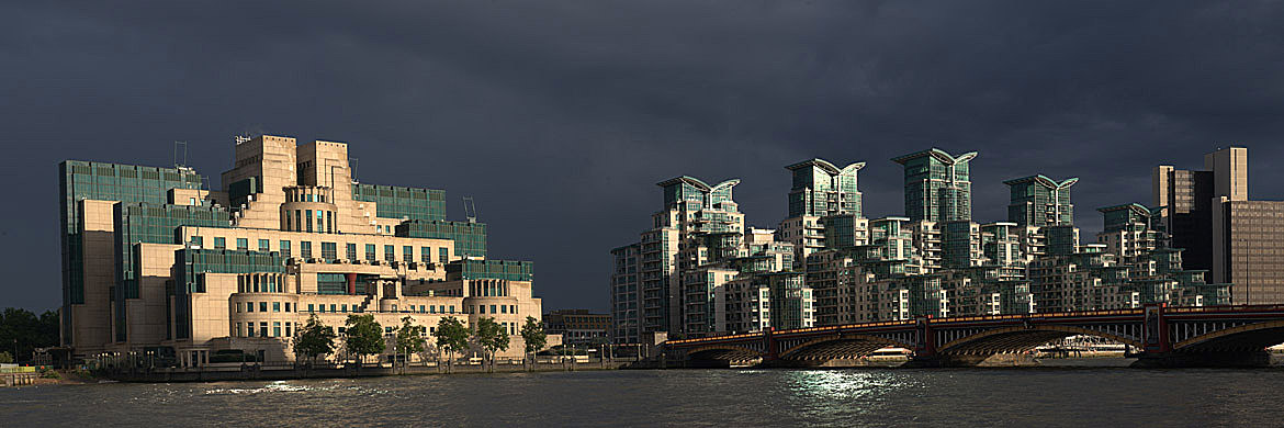 Photograph of Vauxhall Bridge 13