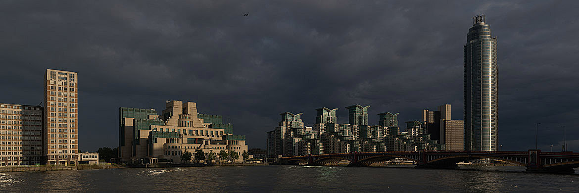 Photograph of Vauxhall Bridge 14