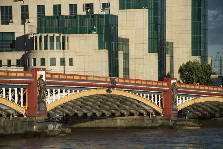 Photograph of Vauxhall Bridge 19