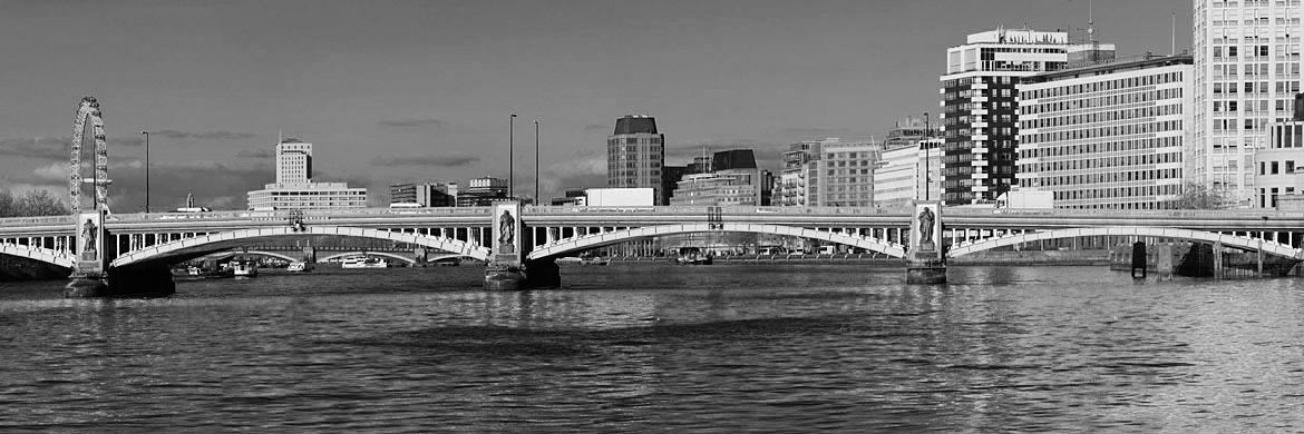 Photograph of Vauxhall Bridge 2