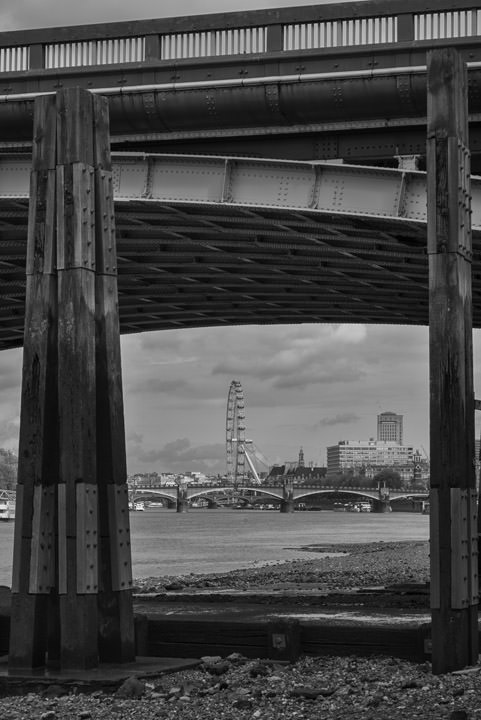 Photograph of Vauxhall Bridge 29
