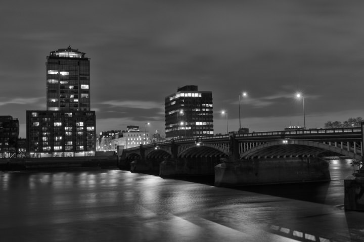 Photograph of Vauxhall Bridge 8