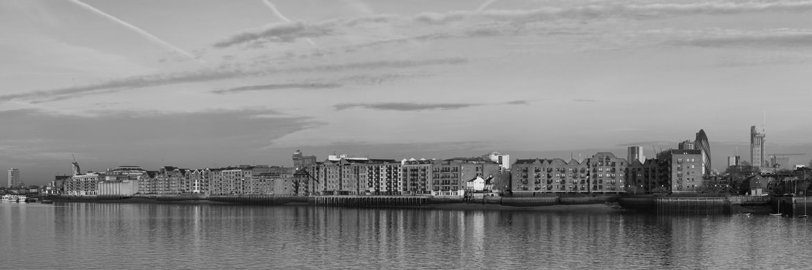 Wapping and Limehouse in River Thames panorama at Tower hamlets