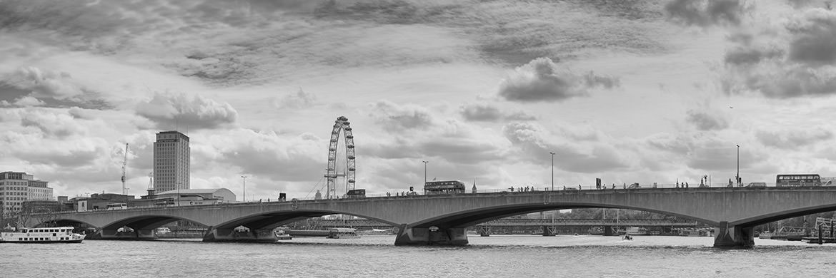 Photograph of Waterloo Bridge Panorama 1