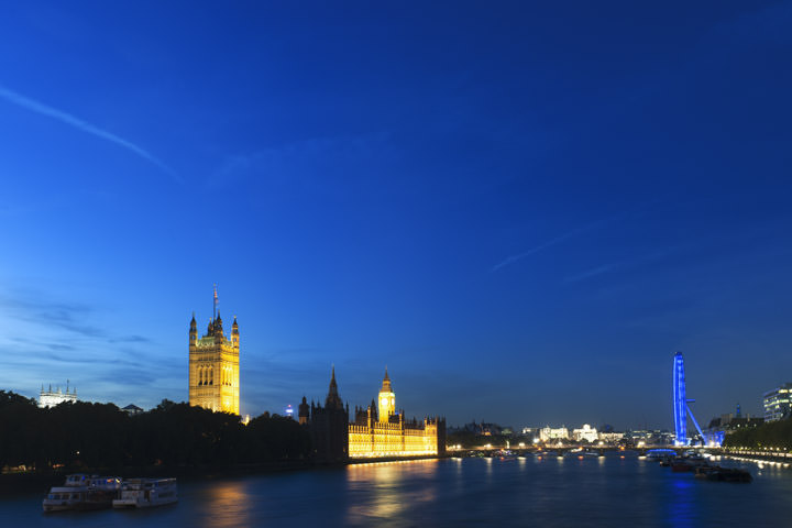 Photograph of Westminster by night 2